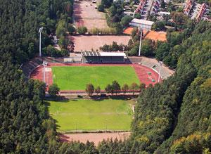 Klicke auf die Grafik f�r eine gr��ere Ansicht  Name:Waldstadion.jpg Hits:42 Gr��e:30,0 KB ID:81430